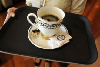 Kinh nghiệm kinh doanh cafe: 10 sai lầm hàng đầu khiến khách '1 đi không trở lại'