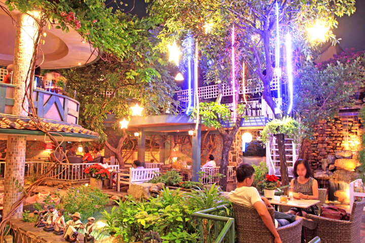 10 quán cafe sân vườn đẹp ở Sài Gòn. Ảnh 29