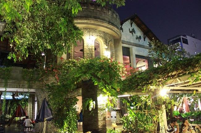 10 quán cafe sân vườn đẹp ở Sài Gòn. Ảnh 2
