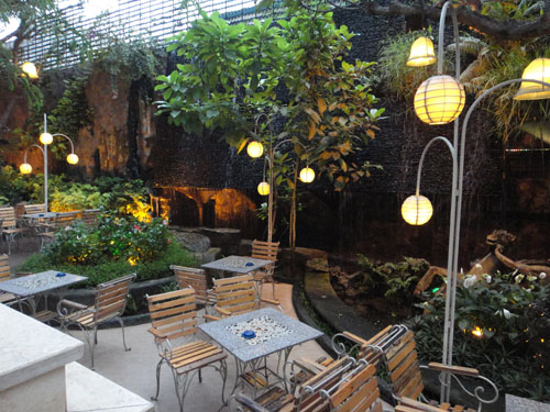 The Myth Cafe Điện Biên Phủ. Ảnh 6