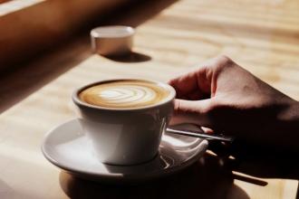 Nghiên cứu thành phần hóa học trong ly cà phê của bạn