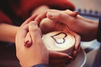 Tách cà phê rẻ tiền khiến bạn trân trọng hạnh phúc mình đang có