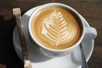 Uống cà phê sữa có tốt không? Uống nhiều cà phê sữa sẽ ra sao?