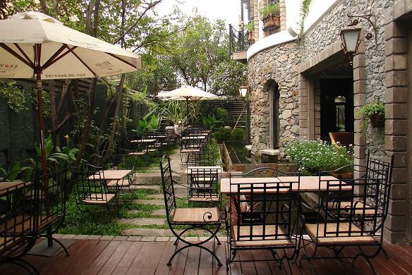 10 quán cafe sân vườn đẹp ở Sài Gòn. Ảnh 3