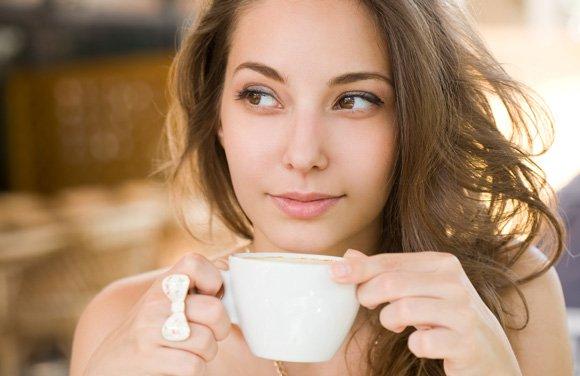 Làm detox cafe đúng cách giúp chị em phụ nữ giảm cân. Ảnh 1