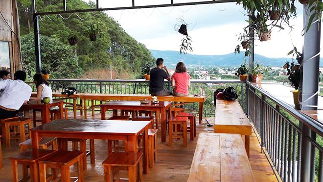 Quán cafe Dốc Lạnh - Quán cafe view đẹp ở Đà Lạt. Ảnh 7