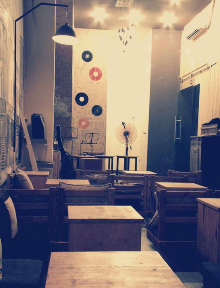 Quán cafe acoustic say 2