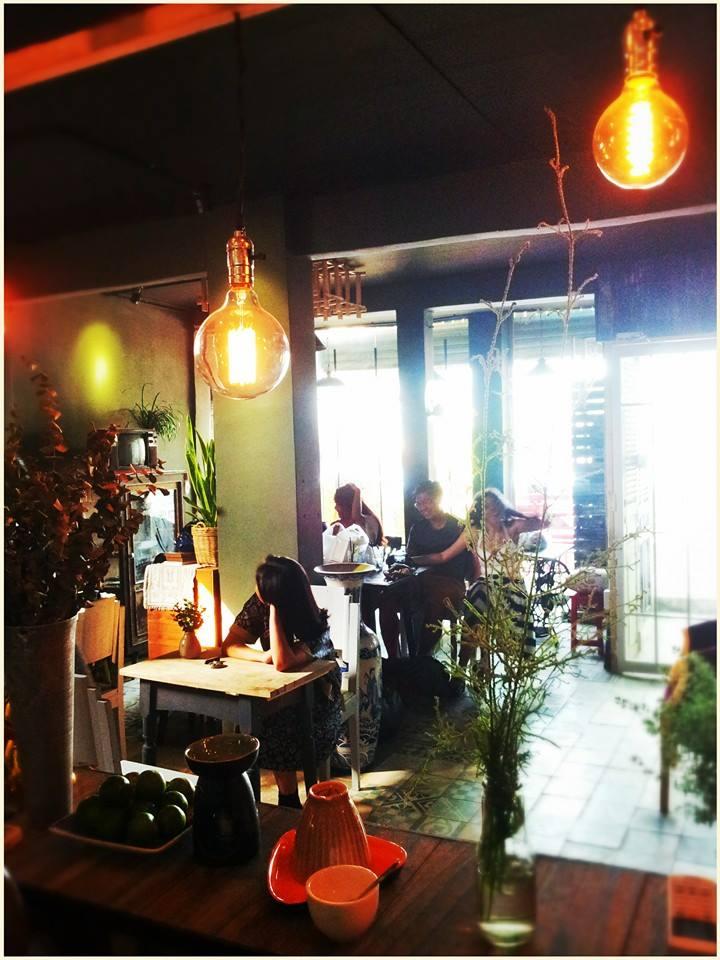 Những quán cafe đẹp ở các quận trung tâm Sài Gòn. Ảnh 25