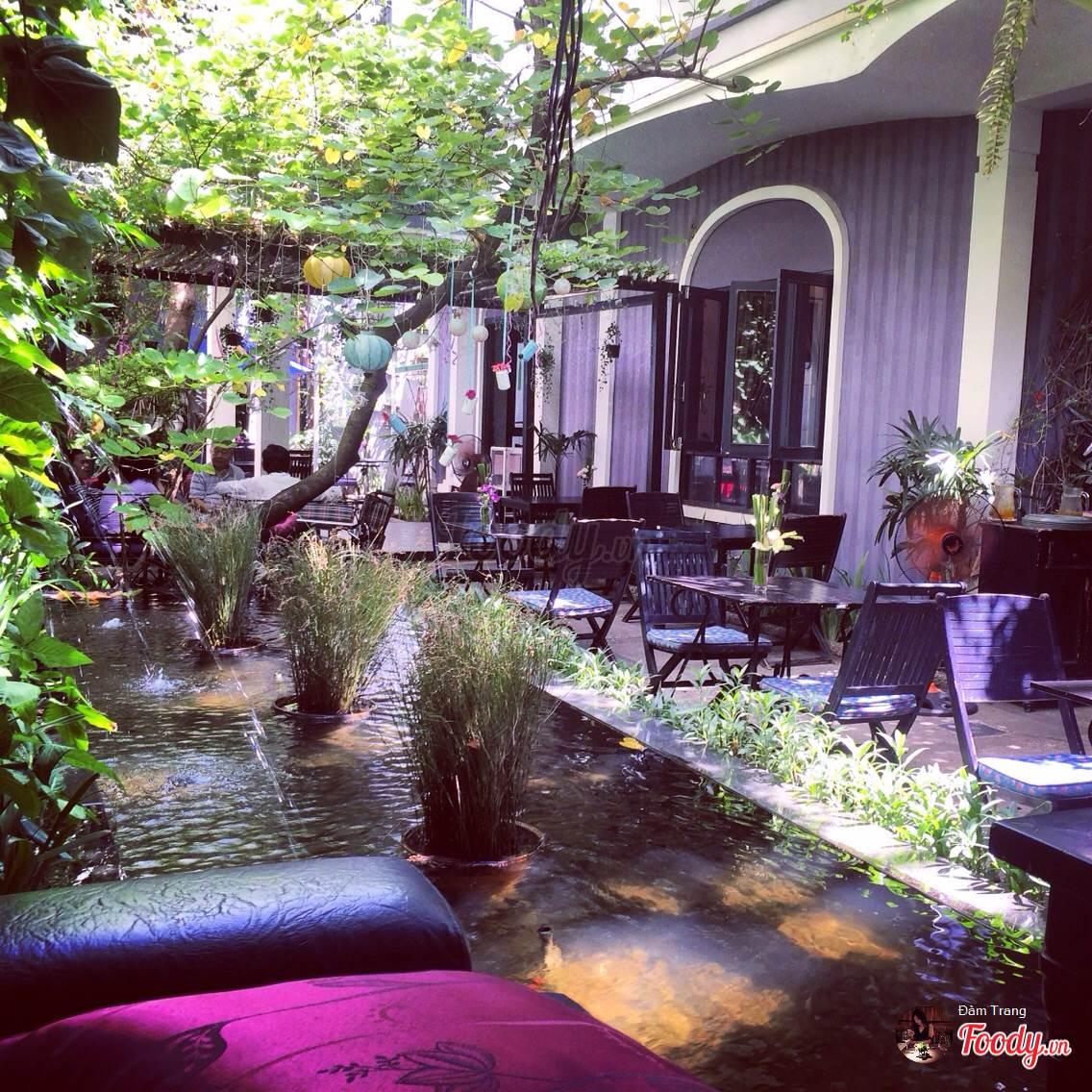 Những quán cafe đẹp ở các quận trung tâm Sài Gòn. Ảnh 2